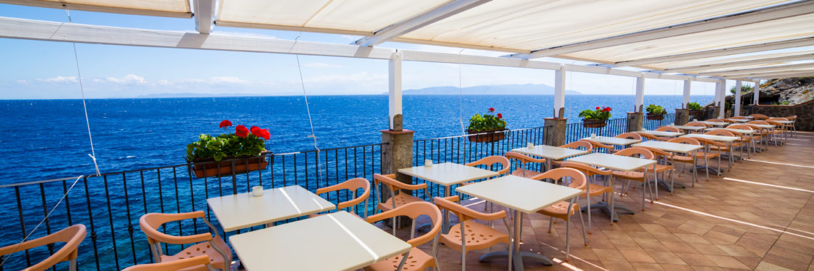 ristorante esterni hotel saraceno isola del giglio